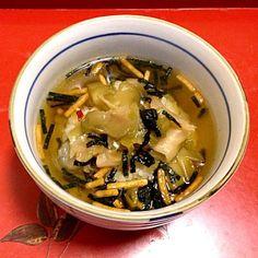 ザーサイに烏龍茶、お茶漬け海苔の素。昔、『美味しんぼ』にこんなのがあったような… 薄い記憶を頼りに作ってみました(^_^)v - 62件のもぐもぐ - ザーサイ茶漬け by Masaki0608