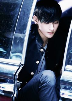"Exo - Tao ""The picture looks blue.. Is it just me?"""
