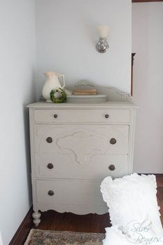 Bedford Dresser painted in @FusionPaint!  This $10 dresser got a shabby chic makeover.