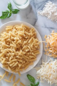 Creamy Mac and Cheese - What's Gaby Cooking Saucedo Saucedo Dalkin Amazing Mac And Cheese Recipe, Cheese Recipes, Cooking Recipes, Cooking Tips, Creamy Mac And Cheese, Mac Cheese, Great Recipes, Favorite Recipes, Family Recipes