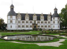 Schloss Neuhaus Gartenseite Paderborn-3 - Schloss Neuhaus (Paderborn) – Wikipedia
