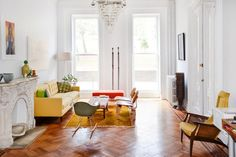 Bright living space in Brooklyn | Washington Park Residence | a Kid & Coe Family Vacation Rental in NYC.