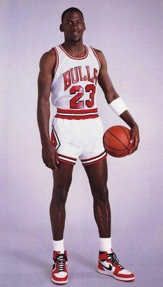Michael Jordan early in his NBA career. Charlotte Hornets, Basketball Legends, Sports Basketball, Basketball Players, Basketball Tattoos, Basketball Memes, Basketball Shooting, Michael Jordan Basketball, Michael Jordan Chicago Bulls