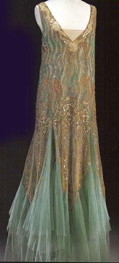 Art Deco Fashion - this is so beautiful