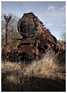 abandoned - Rust In Peace Abandoned Train, Abandoned Cars, Abandoned Places, Abandoned Vehicles, Train Car, Train Tracks, Old Steam Train, Old Trains, Train Pictures