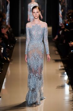 Elie Saab OK ! Almost every gown I pick recently is Elie Saab ! Couture Week, Style Couture, Couture Fashion, Runway Fashion, Fashion Show, High Fashion, Spring Couture, Paris Fashion, Fashion Spring