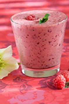 Fruity Fantasty smoothie with orange, pineapple, melon, and strawberries Blender Recipes, Paleo Recipes, Baking Recipes, Paleo Food, Healthy Fruits And Vegetables, Best Blenders, Cooking Appliances, Healthy Shakes, Batch Cooking