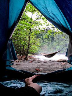 How long has it been since you went camping? Camping is well known as a cherished pastime by many people for a variety of reasons. During a camping trip, you do not have to talk to annoying work colleagues and there are no computers or televisions to. Outdoor Life, Outdoor Fun, Outdoor Camping, Camping Hammock, Camping Outdoors, Trekking, Oh The Places You'll Go, Places To Visit, Camping Sauvage