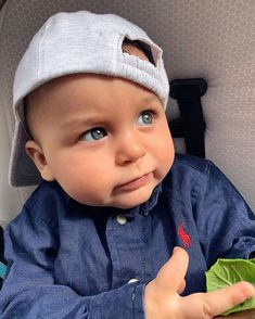 """Lukas & Jasmin 💙💖 on Instagram: """"Baby why are you soo cuteee 😭💙🧿"""" Cute Little Baby, Little Babies, Little Ones, Cute Babies, Baby Tumblr, Aesthetic Eyes, Cute Baby Clothes, Baby Fever, Baby Pictures"""