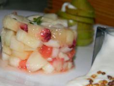 Tartare di melone, pompelmo e pesca con crema di yougurt allo zucchero d'uva e succo di mango