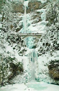 Multnomah falls in winter, Oregon USA