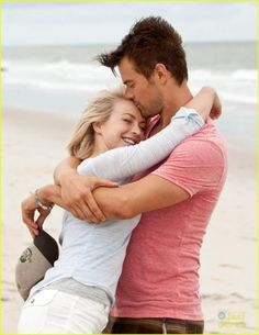 Julianne Hough in Safe Haven