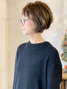 Haircut For Thick Hair, Short Hair With Bangs, Short Hair Cuts, Short Hair Styles, Short Bob Hairstyles, Hairstyles With Bangs, Chin Length Hair, Asian Short Hair, Hair Arrange