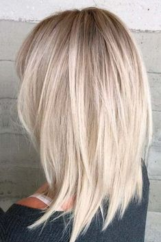 Grunge Haircut The best medium length hairstyles for long thick hair to emphasize your beauty! Thin Hair Haircuts, Short Hairstyles For Women, Hairstyles Haircuts, Short Haircuts, Summer Hairstyles, Medium Layered Hairstyles, Hairstyles For Medium Length Hair With Layers, Trendy Hairstyles, Medium Blonde Hairstyles