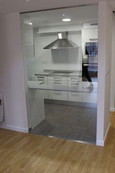 División en vidrio cocina