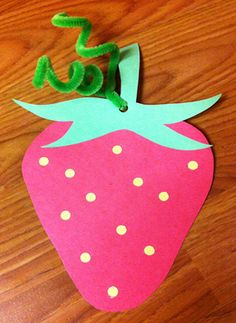 Strawberry Craft. Storytime. Preschool. Library. Home school. Every Child Ready to Read. ECRR.