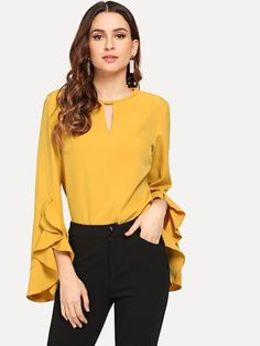 Casual Loose Falbala Long Sleeve Pure Color Shirt blouse for women chic blouse for women chic casual blouse for women chic style blouse for women chic fashion designers blouse for women chic shirts Blouse Styles, Blouse Designs, Women's Summer Fashion, Autumn Fashion, Blouse Outfit, Outfit Jeans, Work Blouse, Mode Hijab, Mode Style