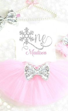Winter Onederland Outfit - Winter Onederland Outfit Winter Wonderland Outfit First Birthday Outfit Winter Birthday Frozen Birthday Outfit Winter Cake Smash 22 Source by stephanietignorphotography - First Birthday Winter, Winter Birthday Parties, Baby Girl 1st Birthday, Girl Birthday Themes, Birthday Ideas, Birthday Photos, Birthday Recipes, Mermaid Birthday, Winter Onederland Party Girl 1st Birthdays