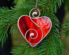 Stained glass heart, Valentine's day gift, gift for him, gift for her, glass heart heart suncatcher, stained glass ornaments, wire ornaments