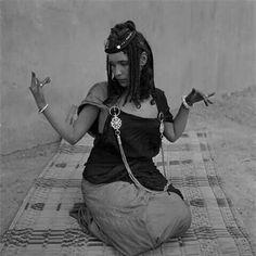 Voyage chez les Amazighes  Dance,Pause du Guedra