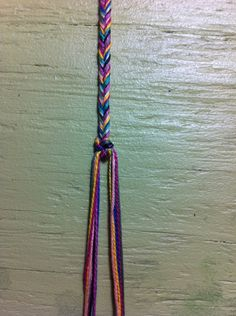 fishtail friendship bracelet. Going to get the stuff to do these with Rayna tomorrow.