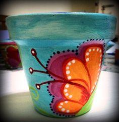 Clay Flower Pots, Flower Pot Crafts, Clay Pot Crafts, Flower Planters, Clay Pots, Painted Plant Pots, Painted Flower Pots, Pottery Painting, Diy Painting