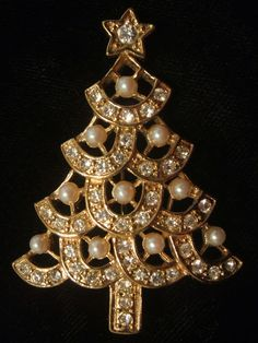 Pearl Rhinestone Christmas Tree Pin