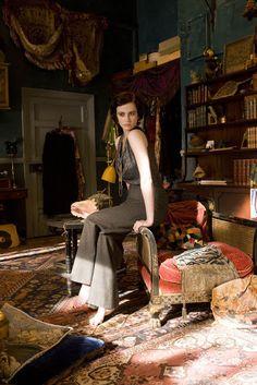 lotus & fig: Rooms on Film: Cracks 2009