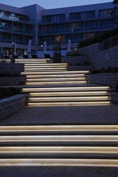 Linear Light Flex https://www.ledlightforyou.com/Room-of-Inspiration/en-Kempinski-SkiperComplex.php
