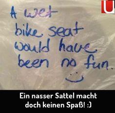 Einfach mal die Fahrräder vor'm Haus mit einer Tüte auf dem Sattel und einem netten Satz ausstatten. Gegen diese nette Tat kann wohl kein Regen gegenanhalten, oder? | unfassbar.es