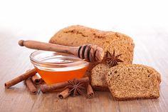 Medový chlebíček Rolling Pin, Rolls, Bread, Desserts, Food, Gingerbread Loaf Recipe, Gluten Free Recipes, Greedy People, Sunday