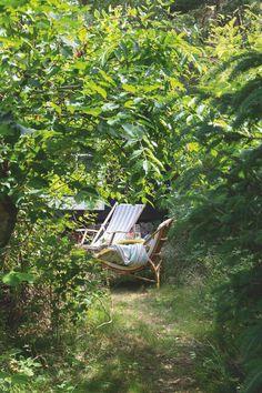 Tiny summer cottage in Denmark Garden Living, Home And Garden, Scandinavian Garden, K Om, Global Decor, Small House Design, Dream Garden, Outdoor Furniture, Outdoor Decor