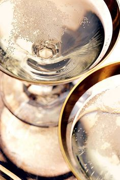 Happy Anniversary Great Gatsby : and perhaps a little Champagne to celebrate? In Vino Veritas, Foto Art, Sparkling Wine, Happy Anniversary, New Years Eve, Cheers, Happy New Year, Wines, Alcoholic Drinks