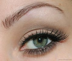 Rock Chic Eye Make Up by nihrida, via Flickr