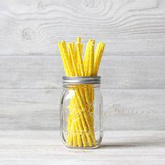 Трубочки бумажные в горошек желтые 25 шт.