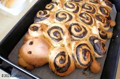 would be neat on easter morning- cheat by using rhodes orange rolls or tubes of cinnamon rolls?