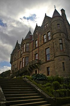 Belfast Castle is set on the slopes of Cavehill Country Park, Belfast, Northern Ireland in a prominent position 400 feet above sea level. Its location provides unobstructed views of the city of Belfast and Belfast Lough. Londonderry, Beautiful Castles, Beautiful Places, Oh The Places You'll Go, Places To Visit, Belfast Castle, Famous Castles, Palaces, England