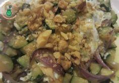 Zucchine trifolate a modo mio - Un contorno veloce per la cena. Accompagnato dalle uova a occhio di bue diventa un piatto leggero, saporito ...