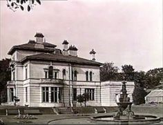 mansion B&W Historic. Photos of The Mansion House St Helens. Victoria Park. (Cowley House)