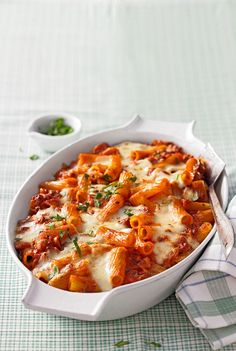 Rigatoni al forno, a nice recipe from the Pasta category. Ratings: 63 Rigatoni al forno, a nice recipe from the Pasta category. Tortellini, Penne, Pasta Recipes, Dinner Recipes, Recipe Pasta, Recipe 4, Baked Rigatoni, Vegetarian Recipes, Healthy Recipes