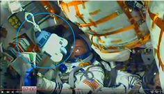 Космонавты тоже люди :)