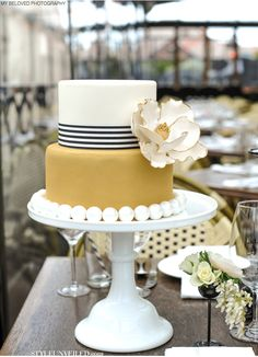 Art Deco Inspired Wedding Cake by The Sweet Side of Seattle / My Beloved Photography