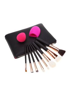 Top Makeup Accessories For The Professional Diy Makeup, Makeup Tools, Makeup Brushes, Beauty Makeup, Organic Makeup Brands, Best Fashion Designers, Beauty Guide, Trendy Collection, Geek Girls
