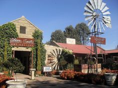 clarens south africa - Google Search Free State, Places Of Interest, Windmills, Its A Wonderful Life, Countries Of The World, Golden Gate, Country Life, Adventure Travel, South Africa