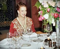 Real stunning Moroccan Caftan, Oriental Fashion, Kaftan, Mom, Elegant, Royals, Cloths, Jewels, Google