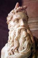 Memento Mori!: El curioso origen de los cuernos de Moisés