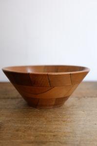 Vintage wooden bowl @ Atelier Solarshop - Antwerp www.ateliersolarshop.be