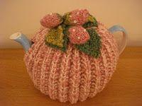 free tea cosy knitting pattern strawberry tea ...♥♥...