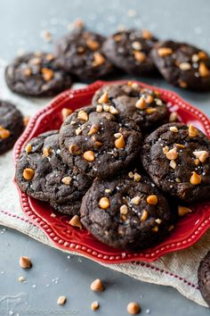 These butterscotch toffee chocolate fudge cookies are undeniably rich and decadent! Satisfy your chocolate craving with a batch. Brownie Cookies, Chocolate Fudge Cookies, Toffee Cookies, Chocolate Toffee, Chip Cookies, Heart Cookies, Chocolate Cheesecake, Yummy Cookies, White Chocolate