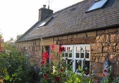 Blacksmith's Cottage. Self-Catering accommodation, Dornoch.